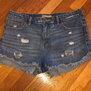 Few people frayed jean shorts